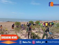 WCD 2021, Ratusan Relawan Madura Lakukan Aksi Gotong Royong Pembersihan Pantai The Legend