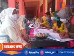 Polres Pamekasan Gelar Vaksinasi Merdeka Serentak di Ponpes Miftahul Qulub