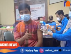 STKIP PGRI Sumenep Laksanakan Vaksinasi Massal, Sekda Sebut Capaian Kabupaten Masih Minim